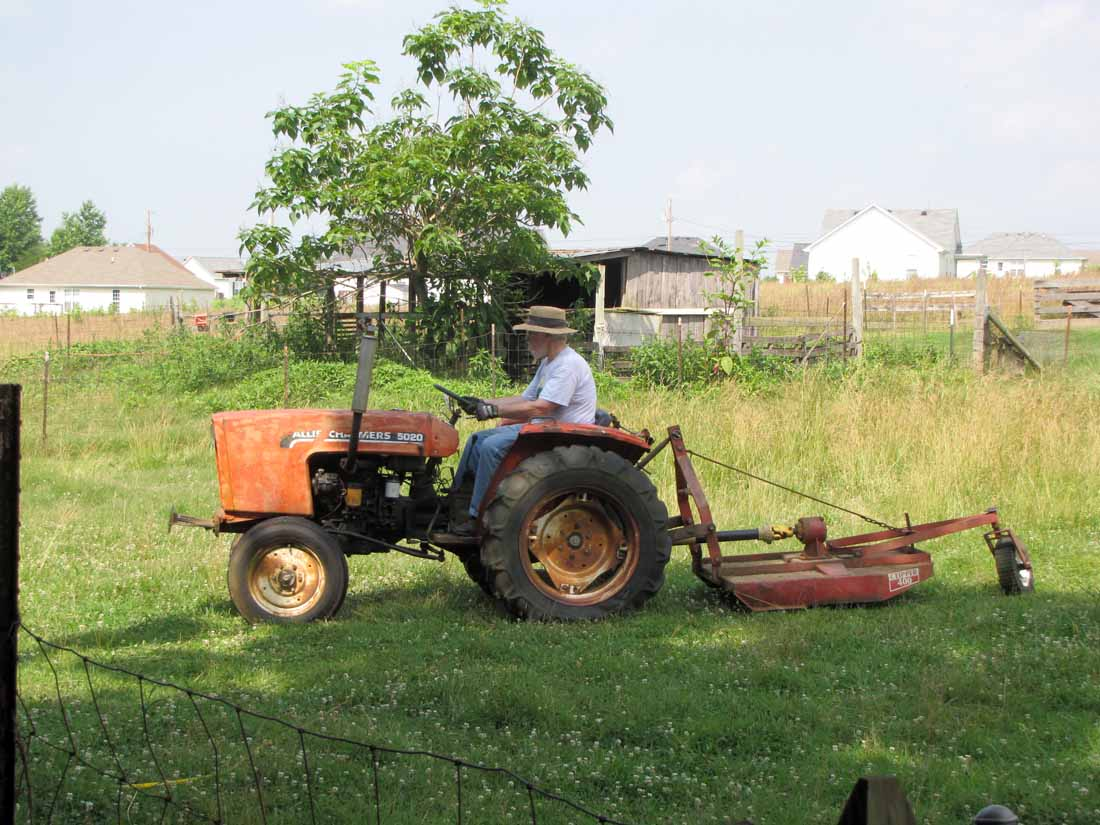 Guy Fixing Tractor : Old allis chalmers tractor rural ramblings…