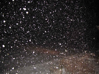 picture of snow at night