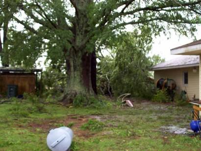 tornado aftermath damage picture